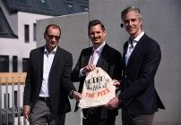 Gleichenfeier.: Hugo Semmelrock (Kollitsch-Bau GmbH), Marcus Franz (Stadt Wien), Alexander Gulya (International Campus Austria GmbH), v.l.n.r